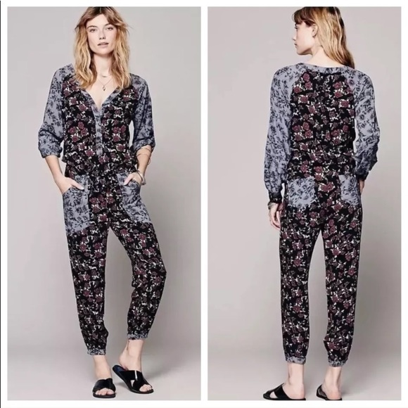 a76b4492396 Free People Pants - Free people floral printed leia jumpsuit Sz Xs